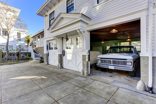 4 Tips On Choosing A Garage Door Contractor